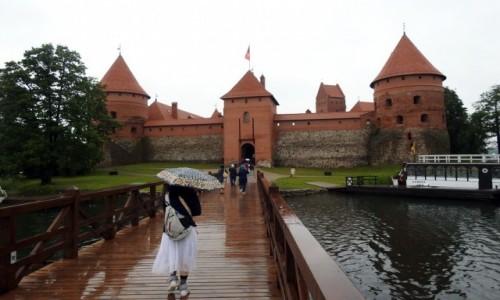 Zdjecie LITWA / Wilno / Troki / Zamek w deszczu