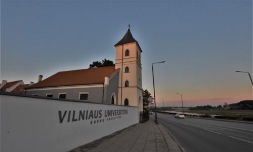 Zdjecie LITWA / Nizina Środkowolitewska / Kowno / Kowno, kościół ewangelicki wieczorem