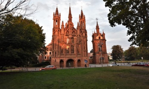 Zdjęcie LITWA / Pojezierze Wileńskie / Wilno / Wilno, kościół św. Anny