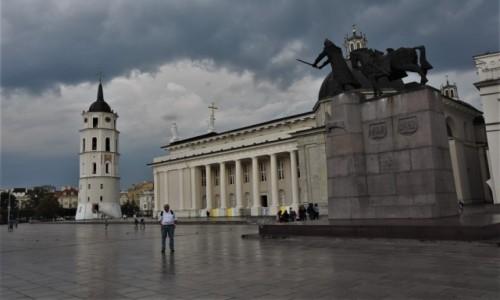 Zdjecie LITWA / Pojezierze Wileńskie / Wilno / Wilno, katedra, dzwonnica
