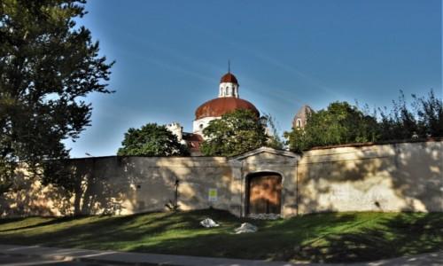 Zdjęcie LITWA / Pojezierze Wileńskie / Wilno / Wilno, kościół Serca Pana Jezusa, ruina