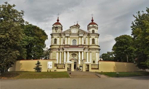 Zdjęcie LITWA / Pojezierze Wileńskie / Wilno / Wilno, kościół św. Piotra i Pawła