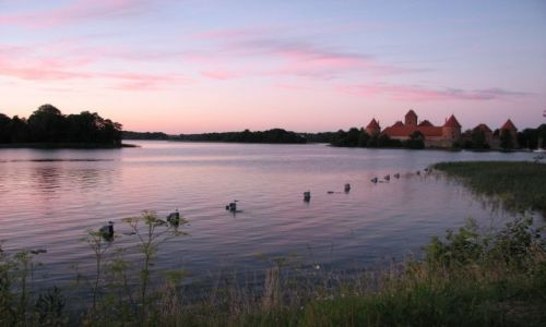 Zdjęcie LITWA / brak / Troki / Wczesnym wieczorem ...