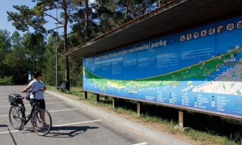 Zdjecie LITWA / Mierzeja Kurońska / Smiltyne / Przed mapą Parku Narodowego Mierzei Kurońskiej