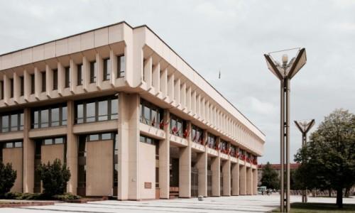 Zdjecie LITWA / - / Wilno / Budynek litewskiego Sejmu