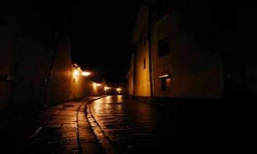 Zdjecie LITWA / brak / Wilno / ulica nocą