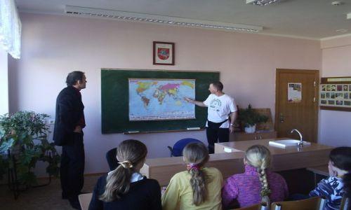 Zdjęcie LITWA / Wileńszczyzna / Wesołówka / Opowiadam o wyprawie w Polskiej Szkole we wsi Wesołówka