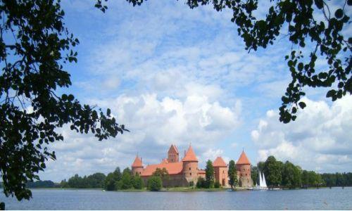 Zdjecie LITWA / Troki / zamek zwany \ / Zamek na jeziorze Galwe.
