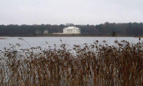 Zdjęcie LITWA / wileńszczyzna / Troki / jesienne Troki- Pałac Tyszkiewiczów