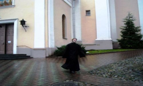 Zdjecie LITWA / Wilno / Starówka / jesienno Wilno - Cerkiew Św. Ducha - Mnich