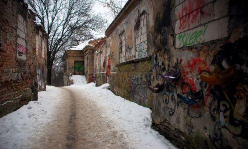 Zdjęcie LITWA / Wilno  / Zarzecze / mroczne ulice