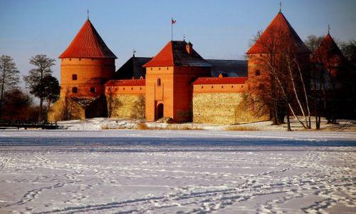 LITWA / Troki  / wokol zamku  / zamku ty pomaranczowy