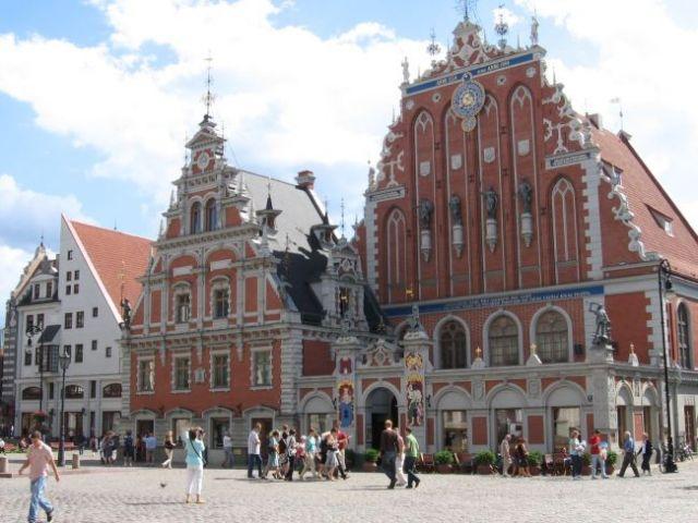 Zdjęcia: ryga, kamienice na rynku głównym, ŁOTWA