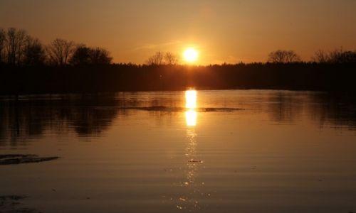 ŁOTWA / Łatgalia / Livani / O zachodzie słońca