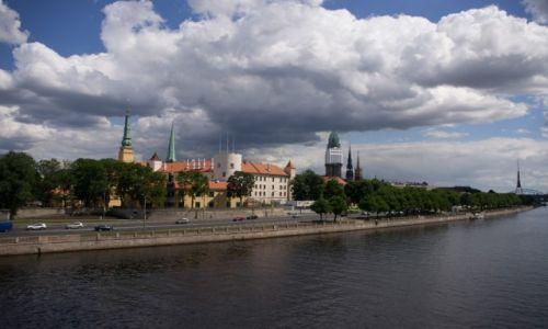 Zdjęcie ŁOTWA / - / Ryga / Odbudowany zamek (siedziba prezydenta)