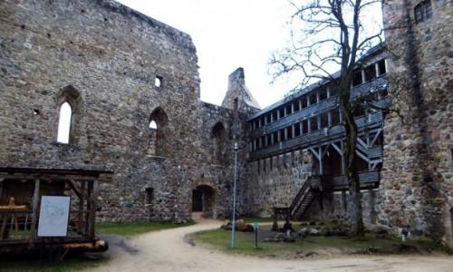Zdjęcie ŁOTWA / okolice Rygi / Sigulda / ruiny zamku krzyżackiego