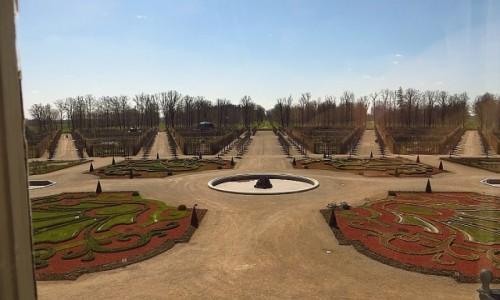 ŁOTWA / Kurlandia / Rundale / pałac w Rundale - park