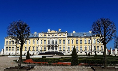 ŁOTWA / Kurlandia / Rundale / pałac w Rundale