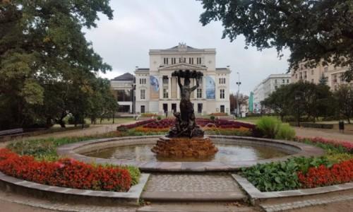 Zdjecie ŁOTWA / Ryga / Latvian National Opera / Jesienna Ryga