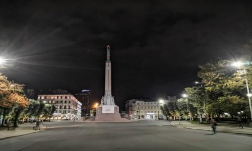 Zdjęcie ŁOTWA / Ryga / Ryga / Łotewska Statua Wolności