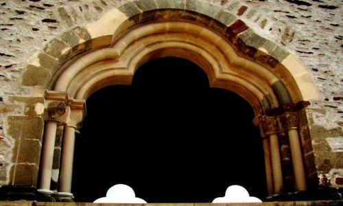 LUKSEMBURG / - / Wschodni Luksemburg / W zamku Vianden