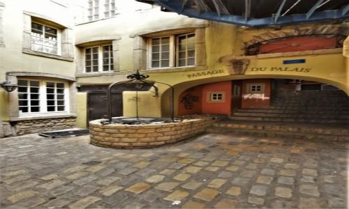 Zdjęcie LUKSEMBURG / Stolica / Luksemburg / Luksemburg, zakamarek