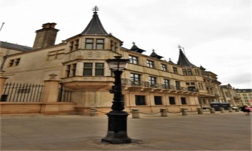 Zdjecie LUKSEMBURG / Stolica / Luksemburg / Luksemburg, pałac książęcy