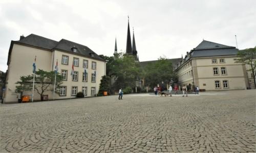 Zdjecie LUKSEMBURG / Stolica / Luksemburg / Luksemburg, tył katedry