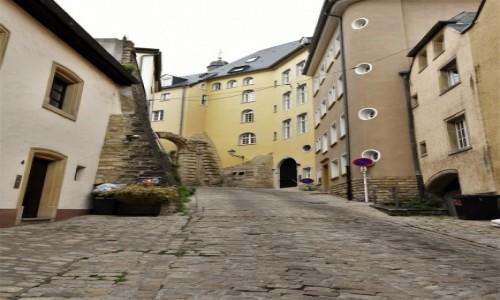 Zdjecie LUKSEMBURG / Stolica / Luksemburg / Luksemburg, zakamarek, koniec