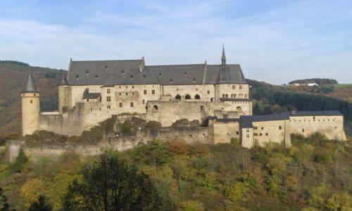 LUKSEMBURG / Luksemburg / Vianden  / Zamek w Vianden 2