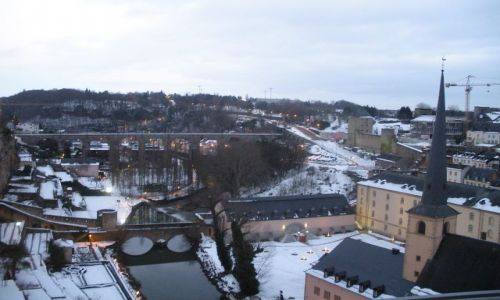 LUKSEMBURG / - / Luksemburg / Luksemburg wieczorem zimowym