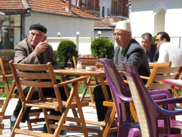 Zdjęcia: Ochryda, Ochryda - poranna kawa, MACEDONIA