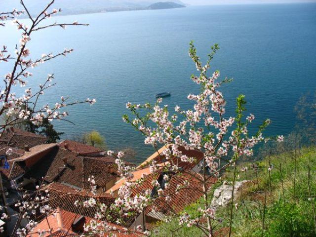 Zdjęcia: Ochryda - widok na jezioro, Jezioro Ochrydzkie, MACEDONIA