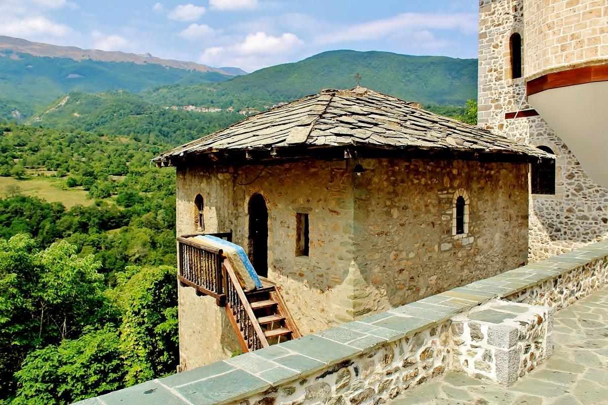 Zdjęcia: Rostusza, park narodowy Mawrowo, Monastyr św.Jana Chrzciciela z 1020 roku, MACEDONIA