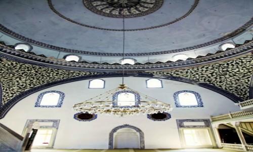 Zdjęcie MACEDONIA / Skopje / Okolice Starego Bazaru / Meczet Mustafy Paszy, wnętrze