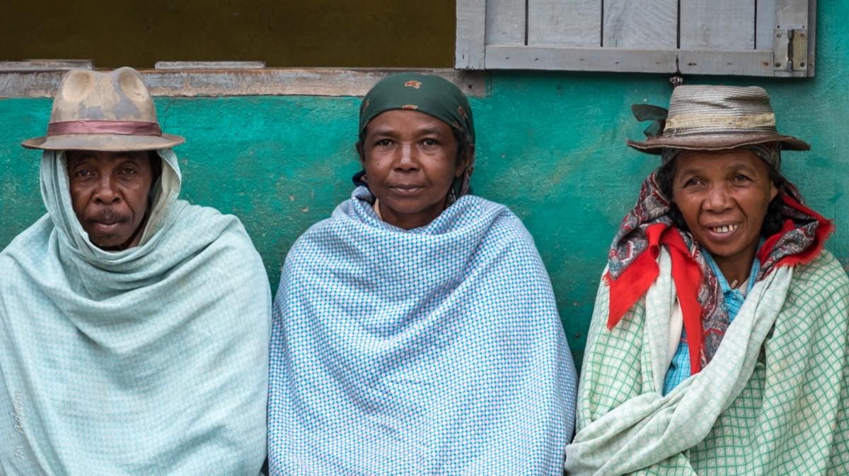 Zdjęcia: Ranomafana,  Vatovavy-Fitovinany, czekając na taxi-bruss..., MADAGASKAR