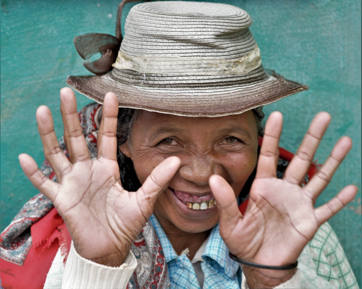 """Zdjęcia: Ranomafana, Wschodni, Visages de Madagascar 17 - """"Czyste ręce"""" ;-), MADAGASKAR"""