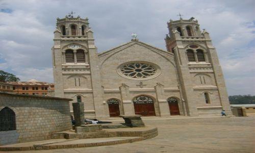 Zdjecie MADAGASKAR / Madagaskar / Antananariwa / Katedra w Antananariwie