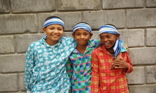 Zdjęcie MADAGASKAR / Mahajanga / szkoła / chłopcy z Madagaskaru