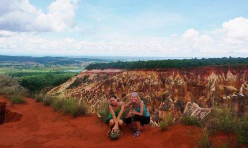 Zdjęcie MADAGASKAR / Północno-Zachodni Madagaskar / Miejscowość  Mahajanga  / Polskie Nauczycielki z miejscowej  szkoły