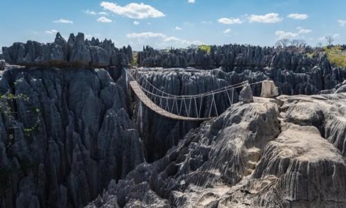 MADAGASKAR / Bekopaka / Grand Tsigny de Bemaraha / iglice...