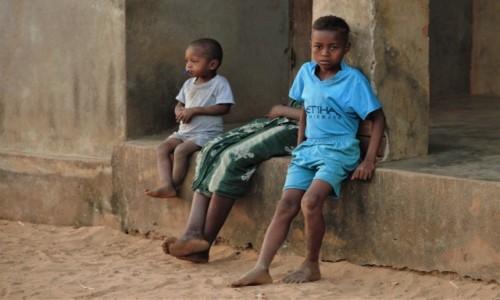Zdjecie MADAGASKAR / Zachodni / Bekopaka / Visages de Madagascar 11