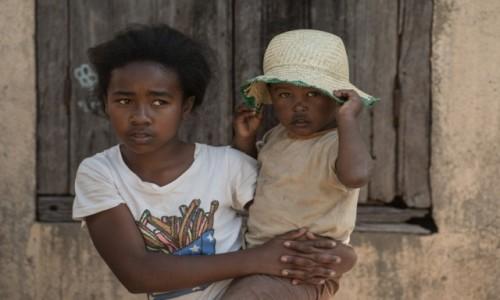 Zdjecie MADAGASKAR / Wschodni / Na trasie pociągu Fianarantsoa - Manakara / Visages de Madagascar 29