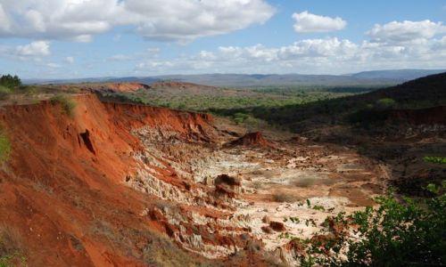 Zdjęcie MADAGASKAR / -północny Madagaskar / Tsingy Rouge / Tsingy Rouge