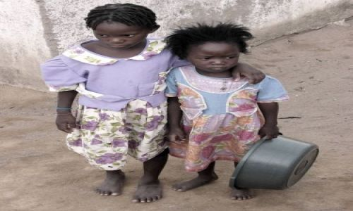 Zdjecie MALAWI / Cape Maclear / wioska / dzieci 3