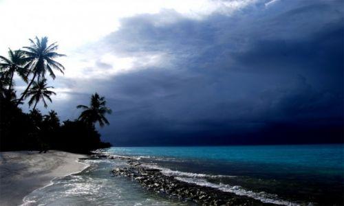 Zdjecie MALEDIWY / Kuramathi / Ross Atol / Równikowo z charakterem monsunowym- maj poczatek pory deszczowej na Malediwachj