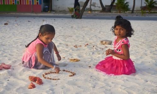 Zdjęcie MALEDIWY / Ocean Indyjski / Hilmandhoo / Życie na wyspie