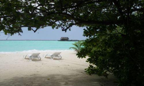Zdjecie MALEDIWY / brak / Olhuveli Island / Na plaży...