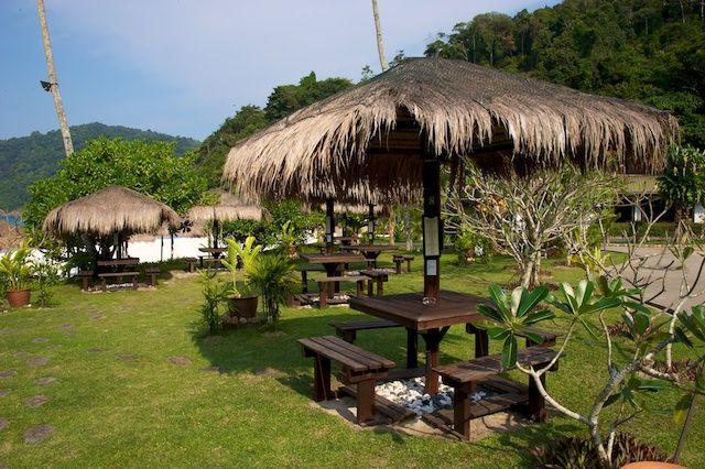 Zdjęcia: Redang Island, East Coast, Laweczki przy plazy (Redang, Malaysia), MALEZJA