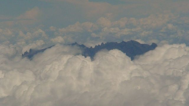 Zdj�cia: Borneo, Borneo, Kinabalu w chmurach, MALEZJA